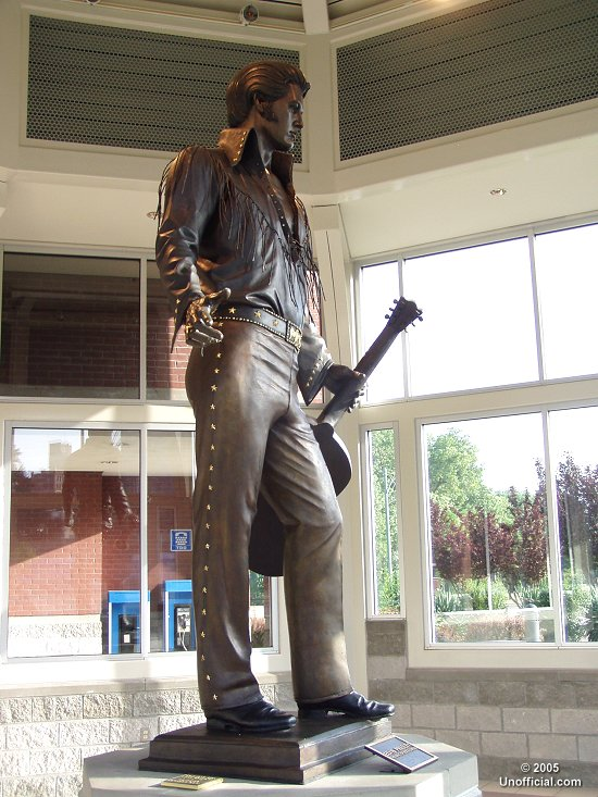 Elvis statue in Memphis, Tennessee